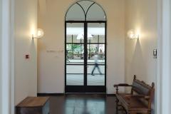 Staalbureau-Stalen openslaande deuren en getoogd bovenlicht